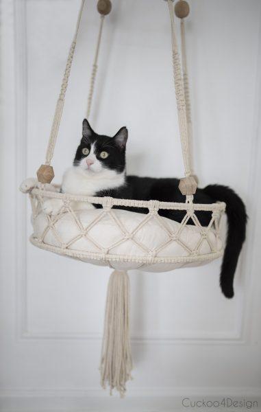 Een geknoopte kattenbed